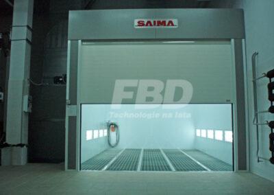 Przemysłowa kabina lakiernicza SAIMA, brama rolowana, pełne okratowanie podłogi
