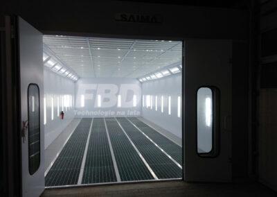 Przemysłowa kabina lakiernicza wielkogabarytowa 12m x 5m drzwi wjazdowe
