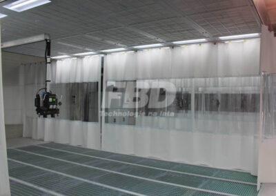 Wnętrze strefy przygotowawczej Saima z wysięgnikiem