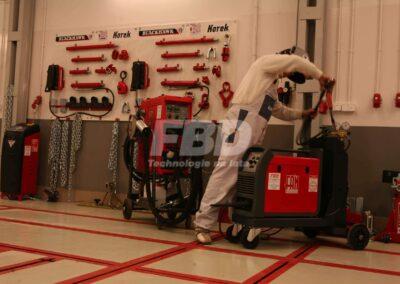 Wyposażenie blacharni akcesoria do ramy blacharskiej, spawarki i zgrzewarki inwertorowe